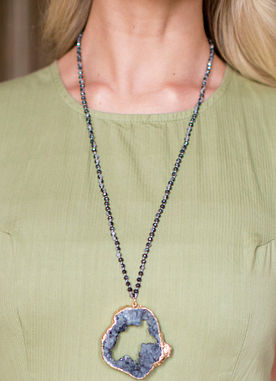 Rare Beauty Necklace in Black