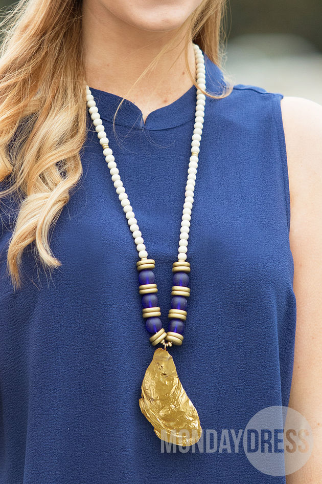 Oyster Shell Beaded Necklace in Blue