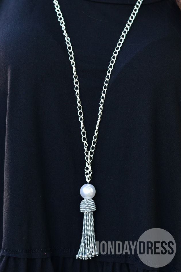 Pearl and Tassel Necklace in Silver