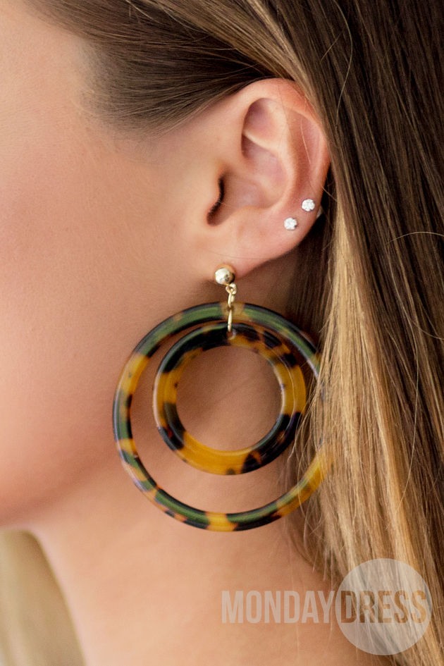 Tortoise Circle Earrings in Brown
