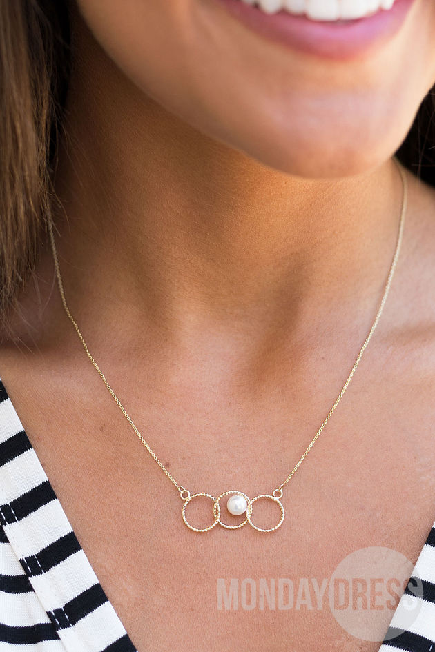 Dainty Pearl and Rings Layering Necklace