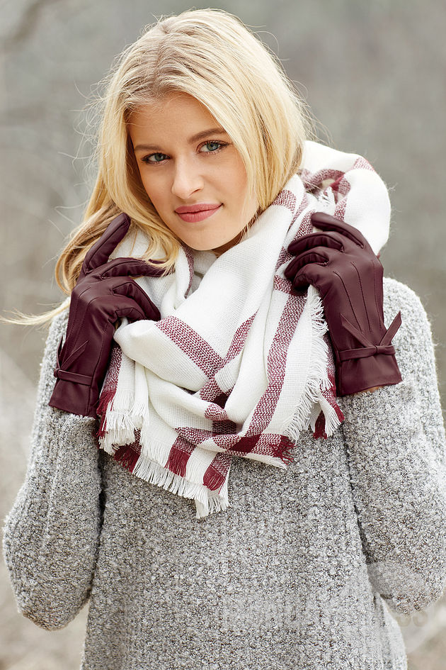Plaid Blanket Scarf in White