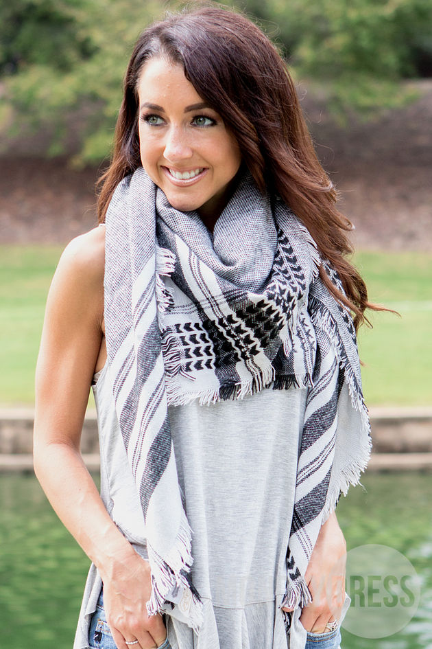 Tribal Print Scarf in Grey