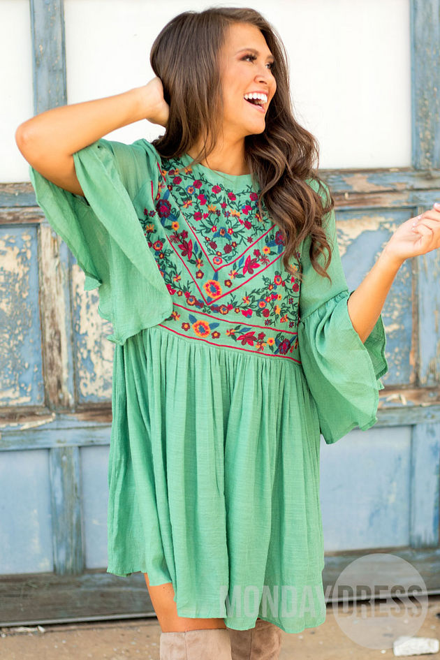 Desert Daisy Dress In Sage