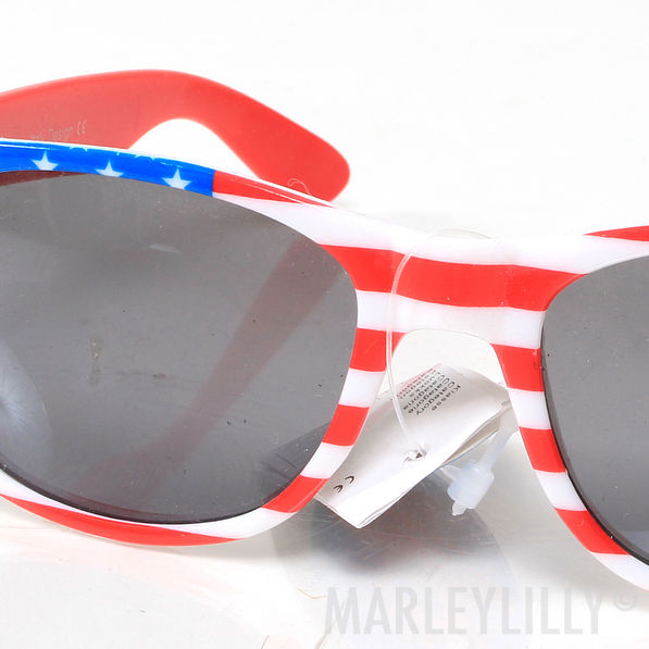 BLOOPER: Monogrammed Sunglasses